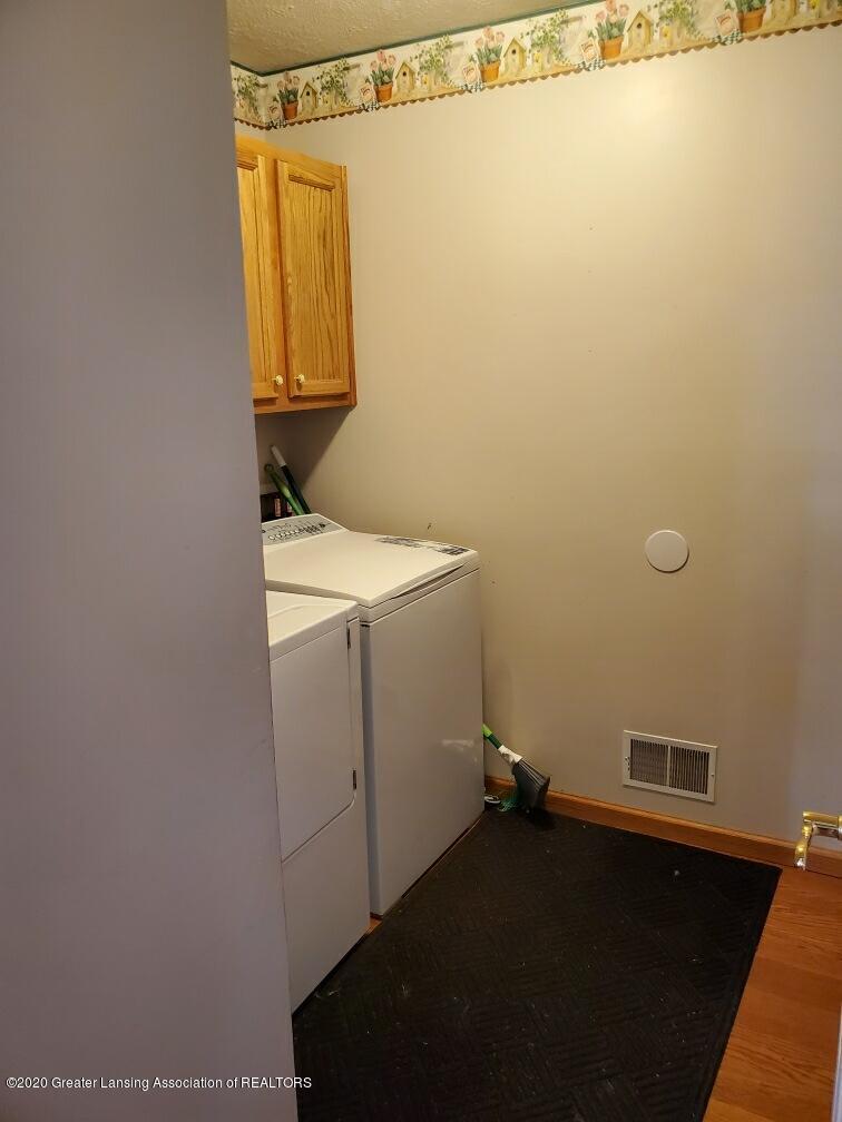 1455 W Taft Rd - Laundry Room - 13