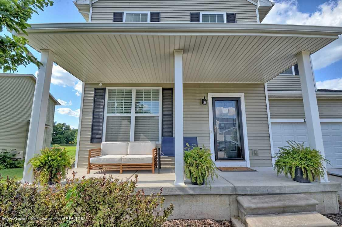 3090 Moccasin Dr - Front Porch - 3