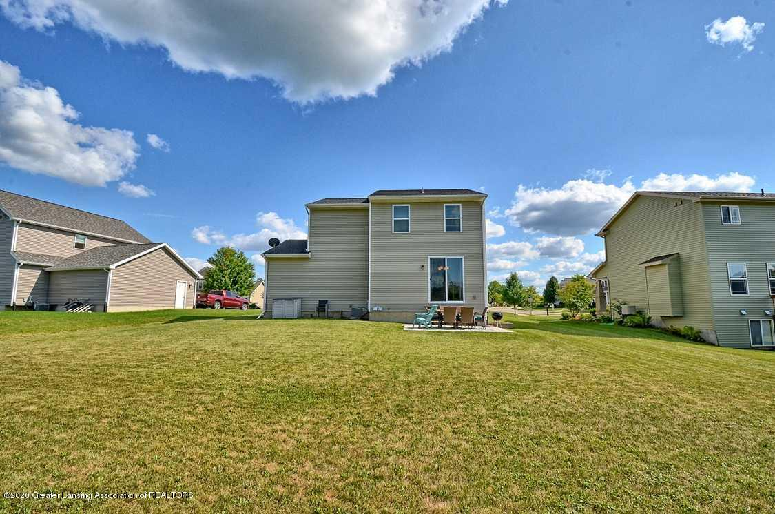 3090 Moccasin Dr - Yard - 32