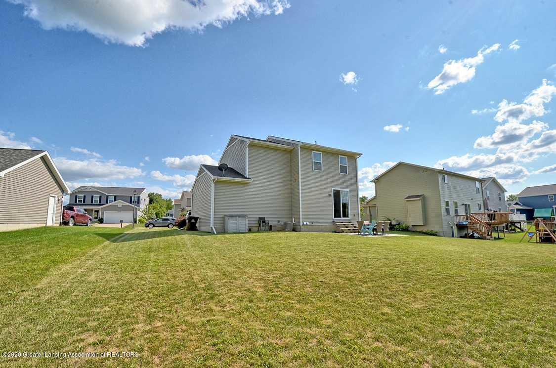 3090 Moccasin Dr - Yard - 26