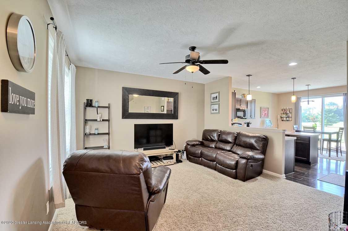 3090 Moccasin Dr - Living Room - 4