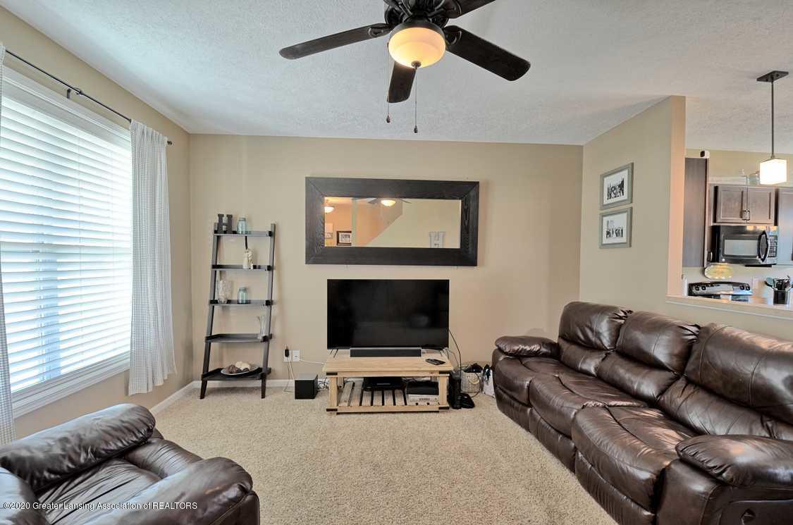3090 Moccasin Dr - Living Room - 5