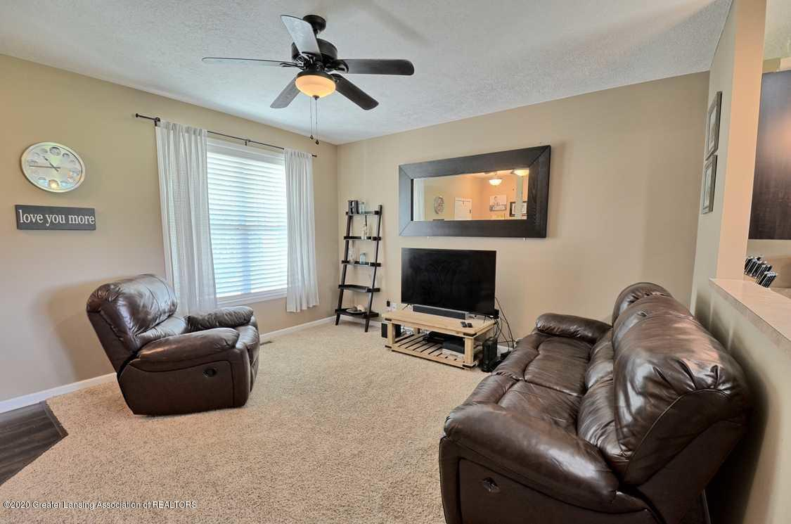 3090 Moccasin Dr - Living Room - 6