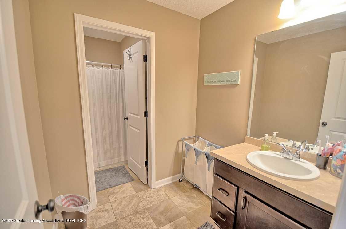 3090 Moccasin Dr - Bathroom - 19