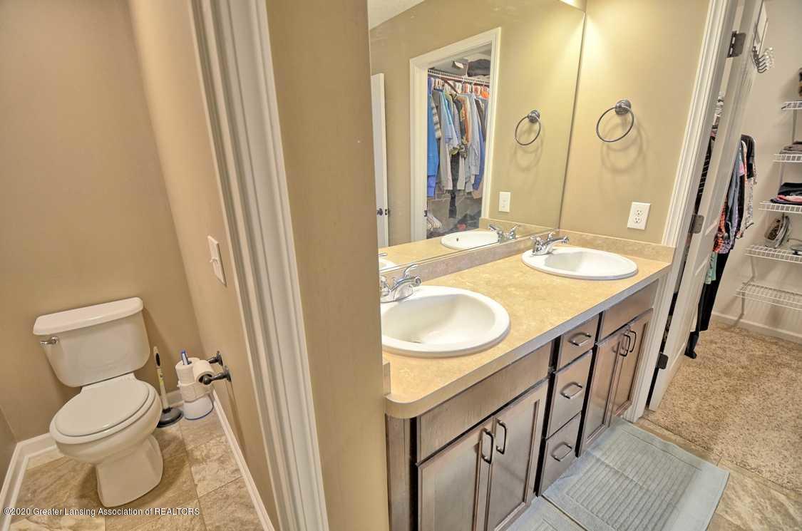 3090 Moccasin Dr - Main Bathroom - 16