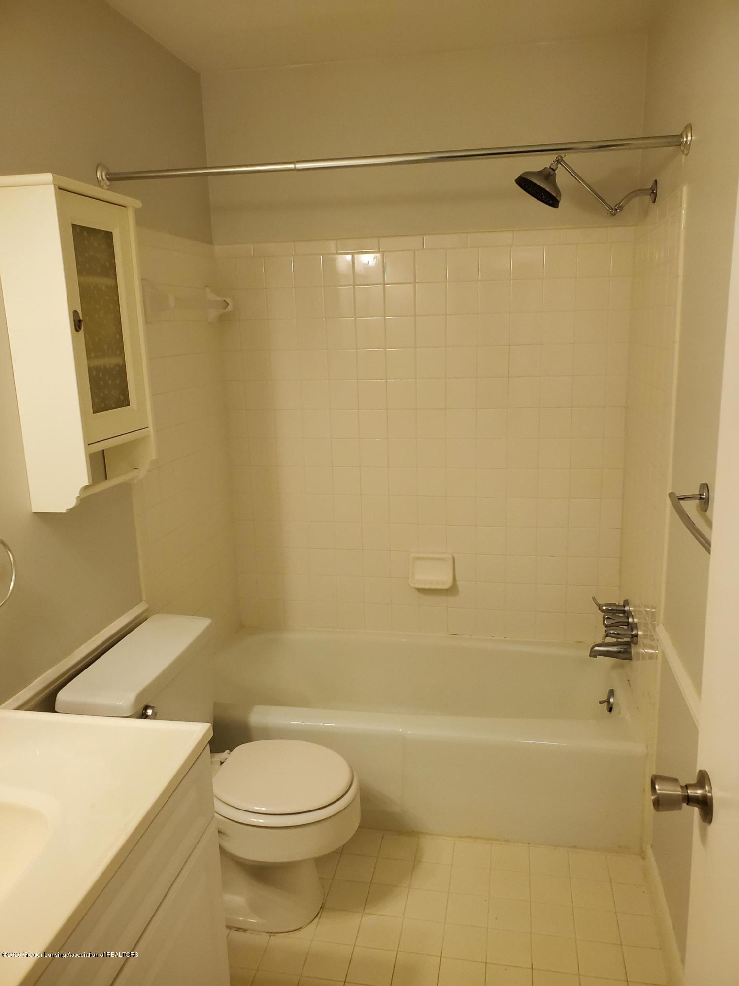 6160 Innkeepers Ct APT 55 - Bathroom - 11