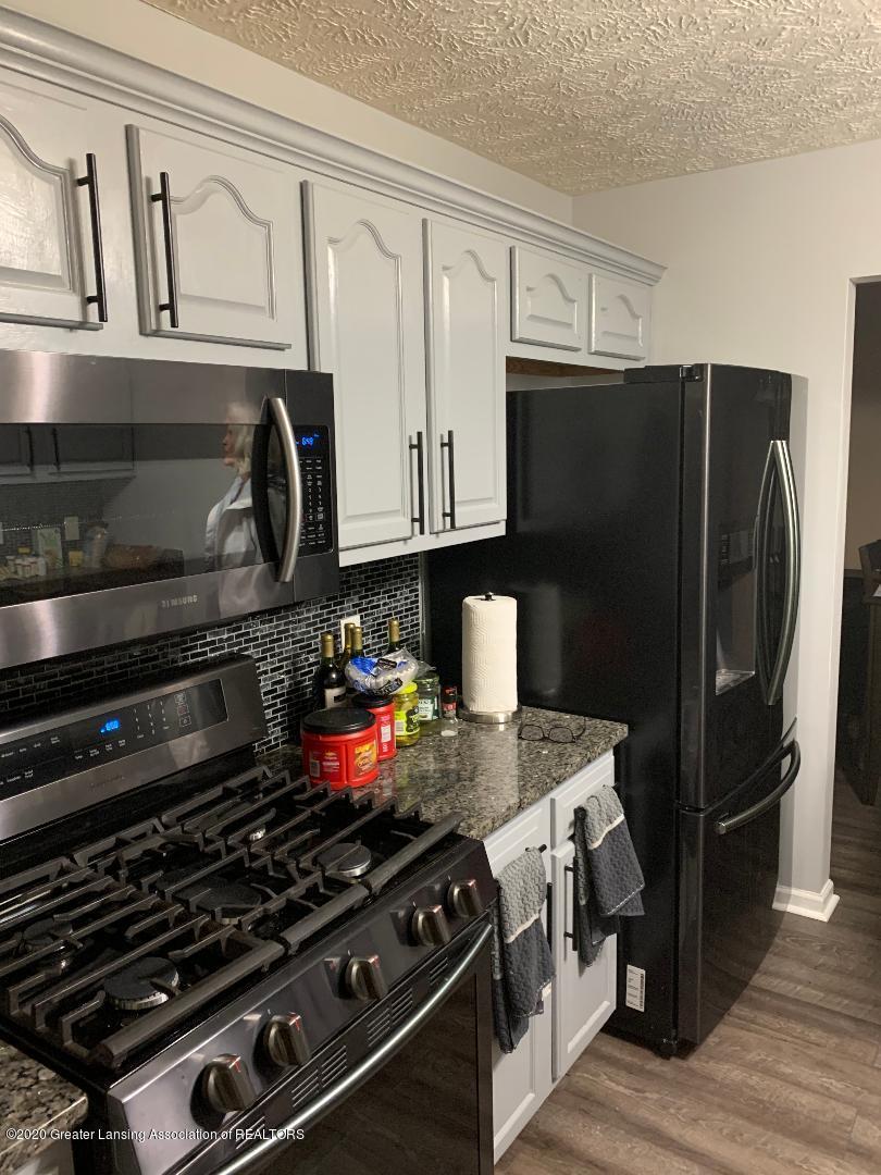 1835 Hollowbrook Dr - kitchen 6 - 8