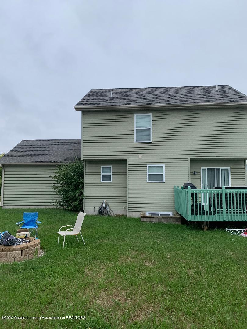 1835 Hollowbrook Dr - backyard - 32