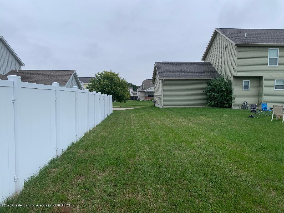 1835 Hollowbrook Dr - backyard 2 - 31