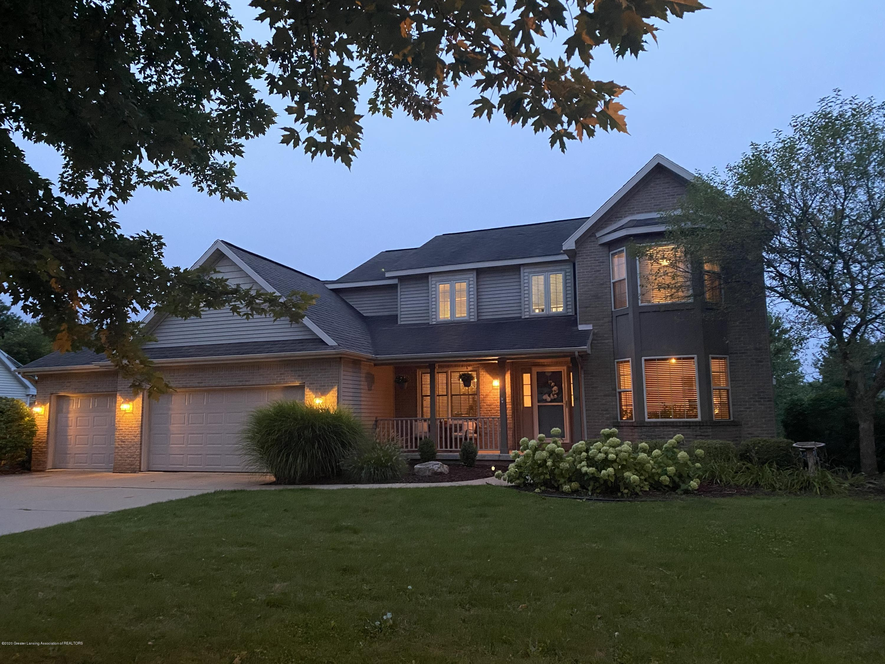 3159 Granview Ln - night - 1