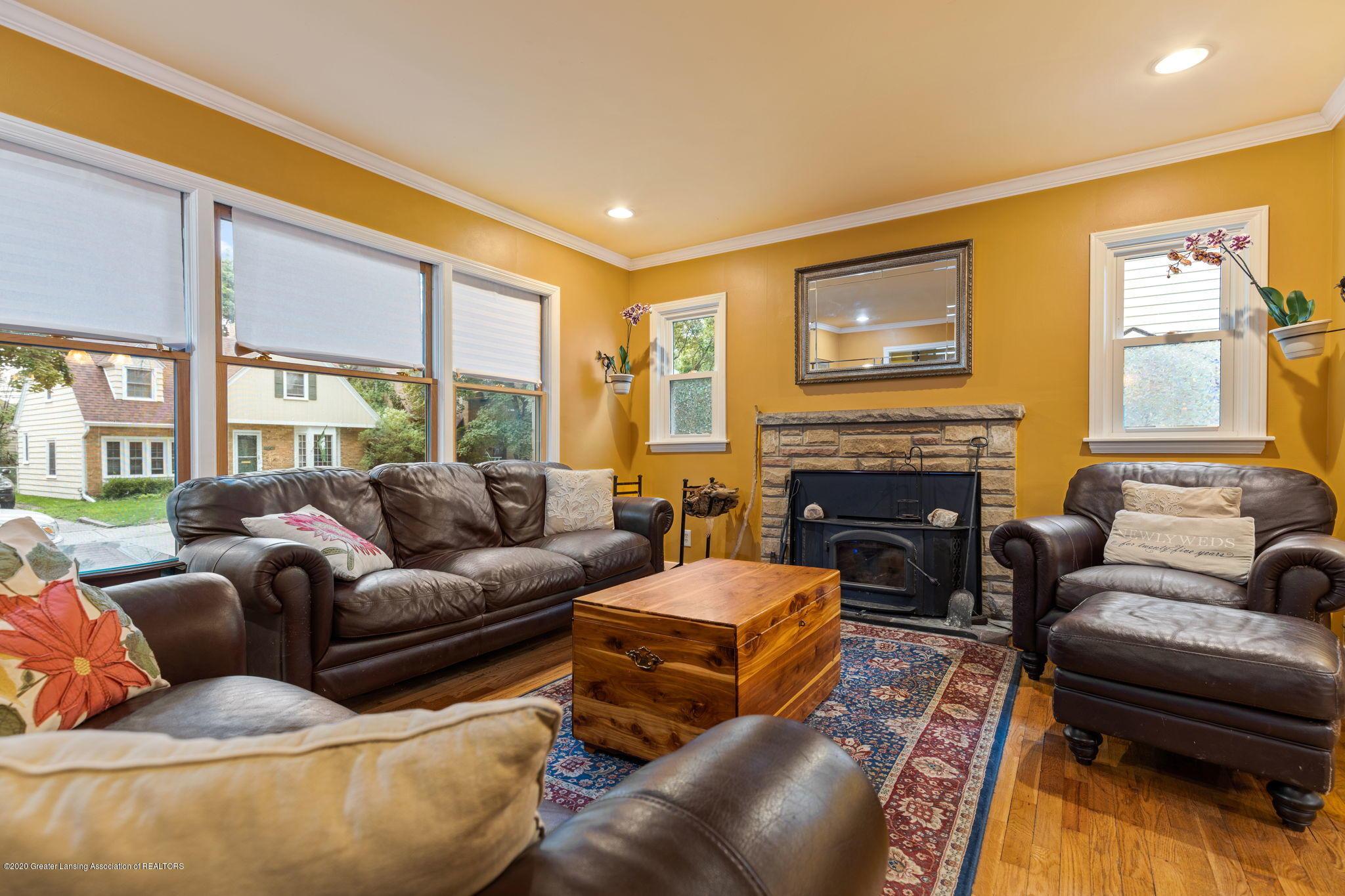510 Meadowlawn St - Living Room - 2