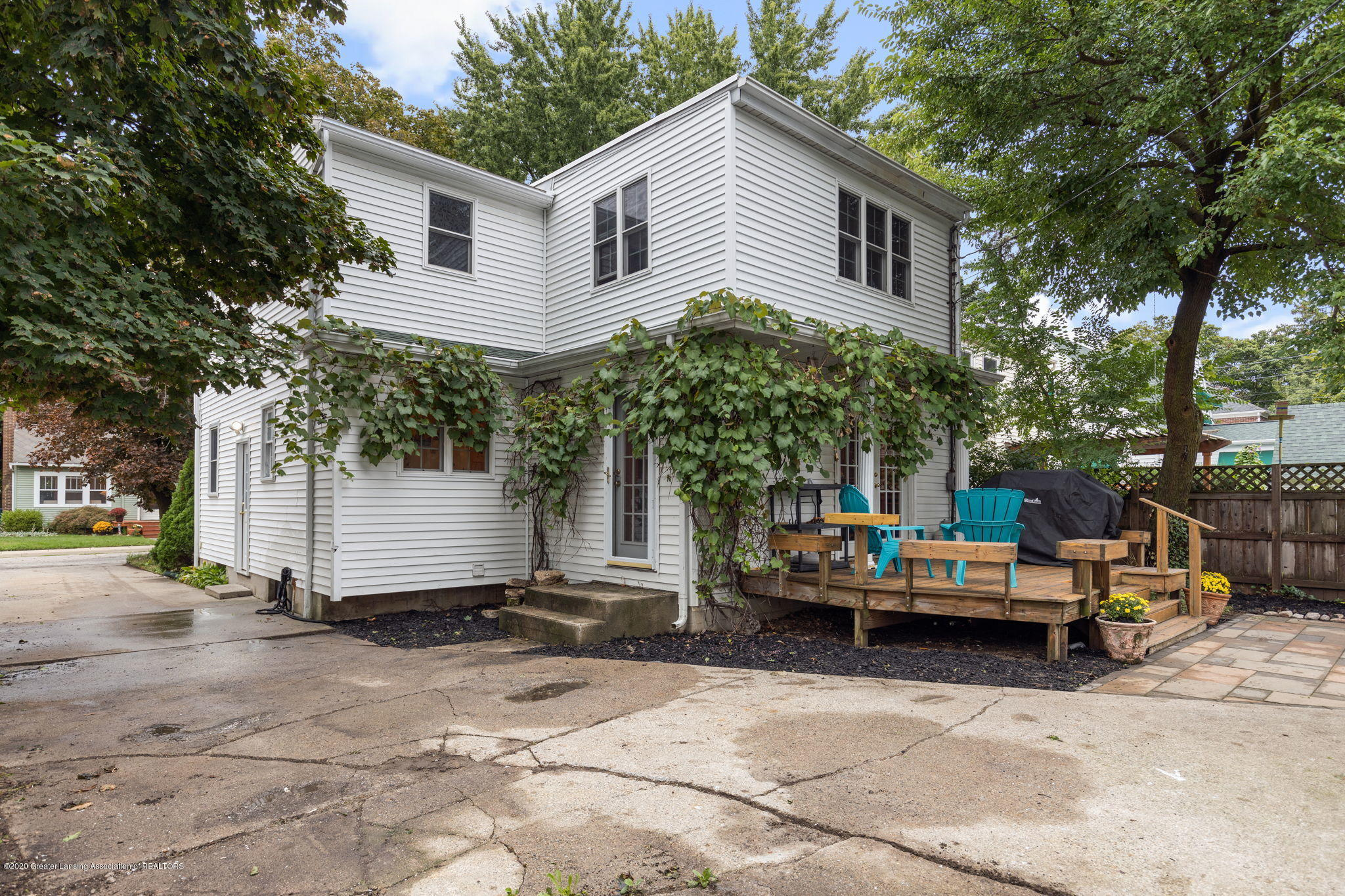 510 Meadowlawn St - Back of Home - 28