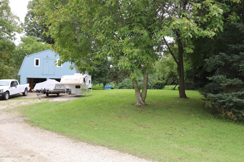 241 W Round Lake Rd - IMG_2588 - 2