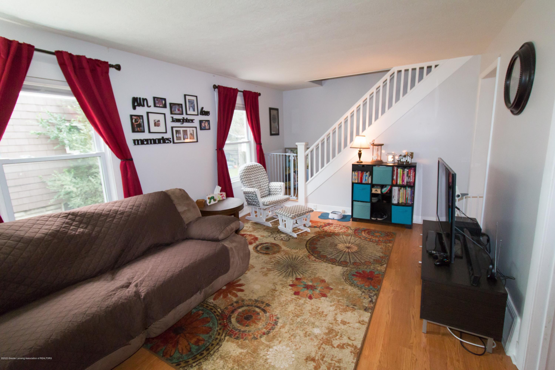606 Ryan St - livingroom - 2