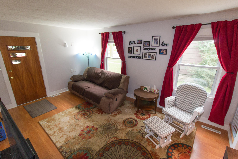 606 Ryan St - livingroom - 4