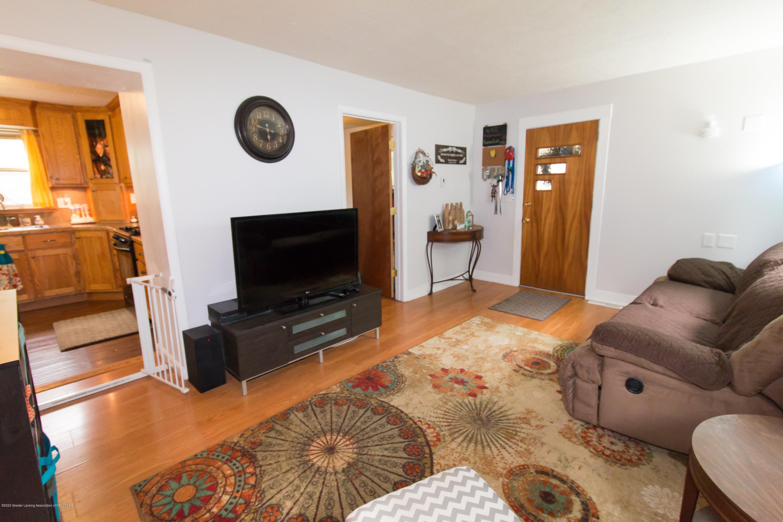 606 Ryan St - livingroom - 7