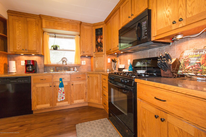 606 Ryan St - kitchen - 8