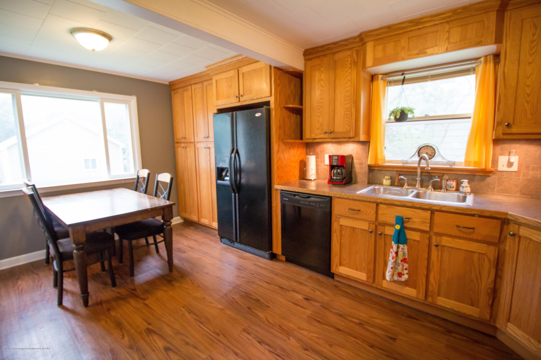 606 Ryan St - kitchen - 9