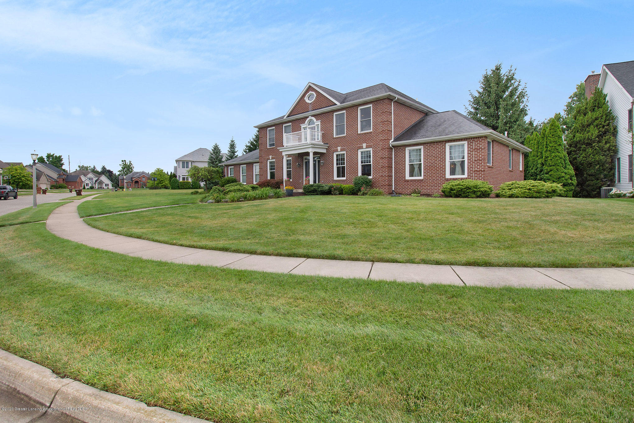 2223 Cawdor Ct - View from street - 3