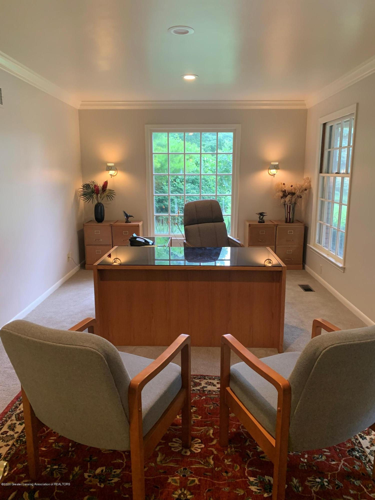 3210 Lake Lansing Rd - large office LL - 2
