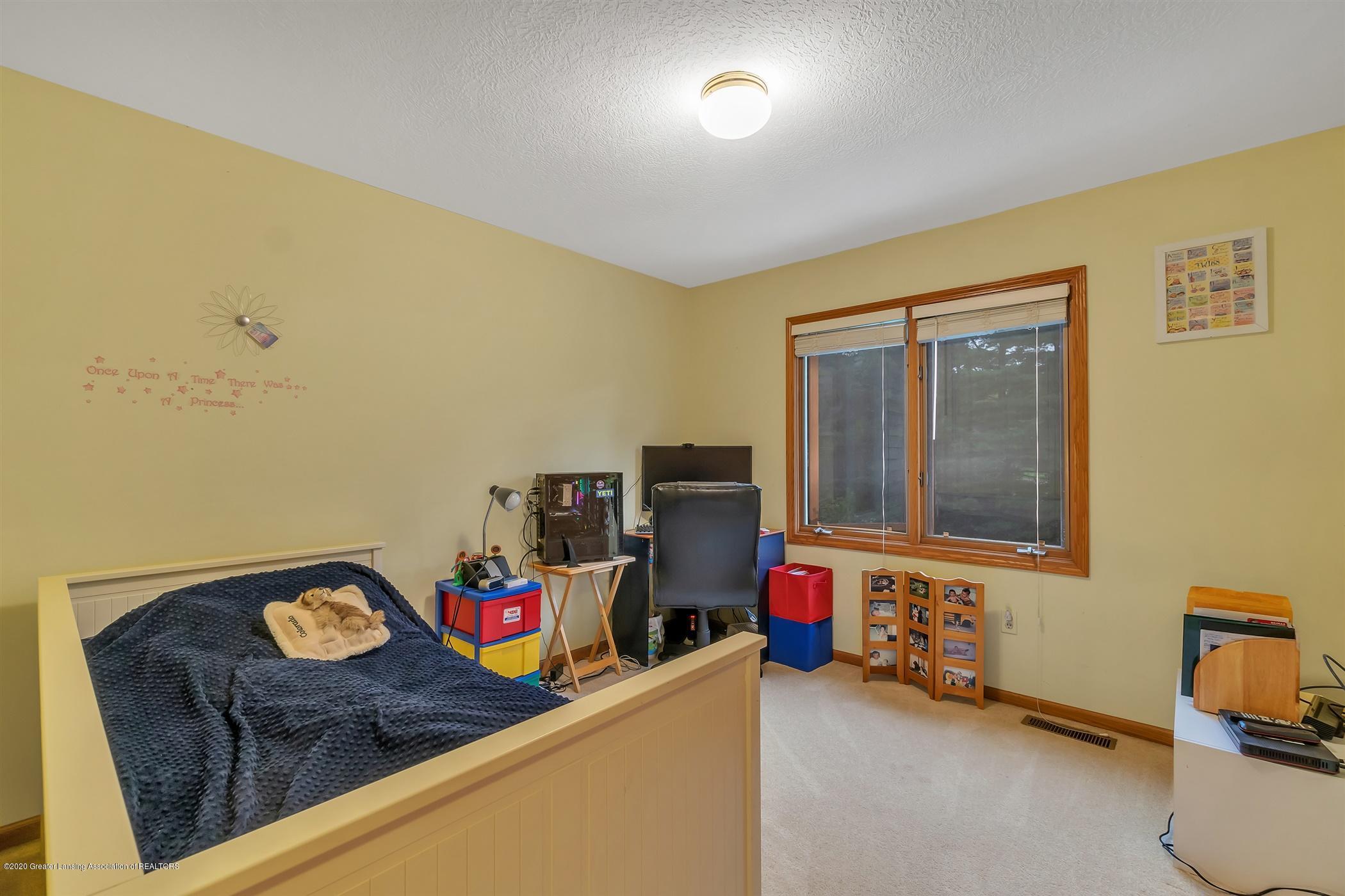 11910 Schavey Rd - 40-11910 Schavey Rd.-windowstill-re - 40