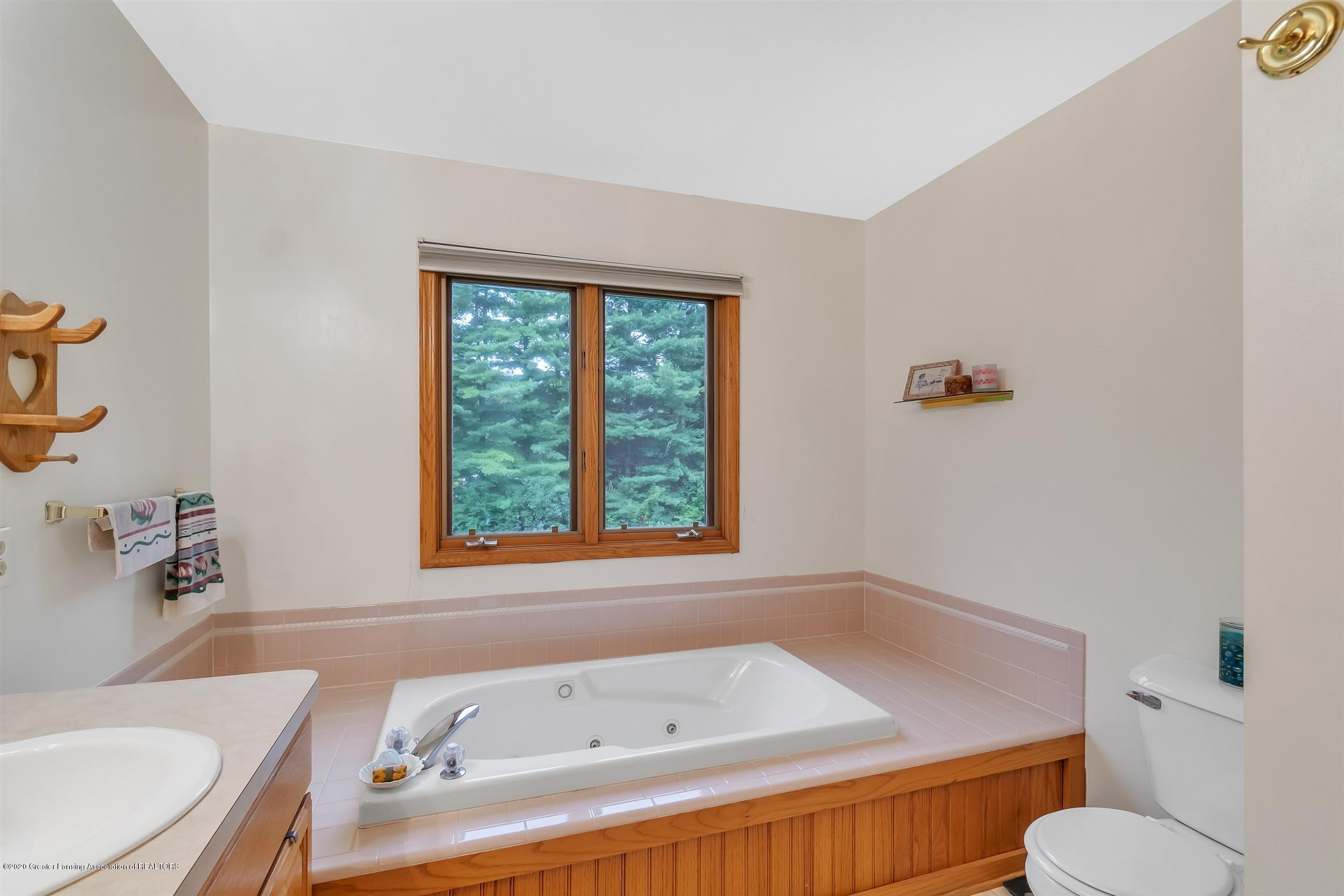 11910 Schavey Rd - 48-11910 Schavey Rd.-windowstill-re - 48