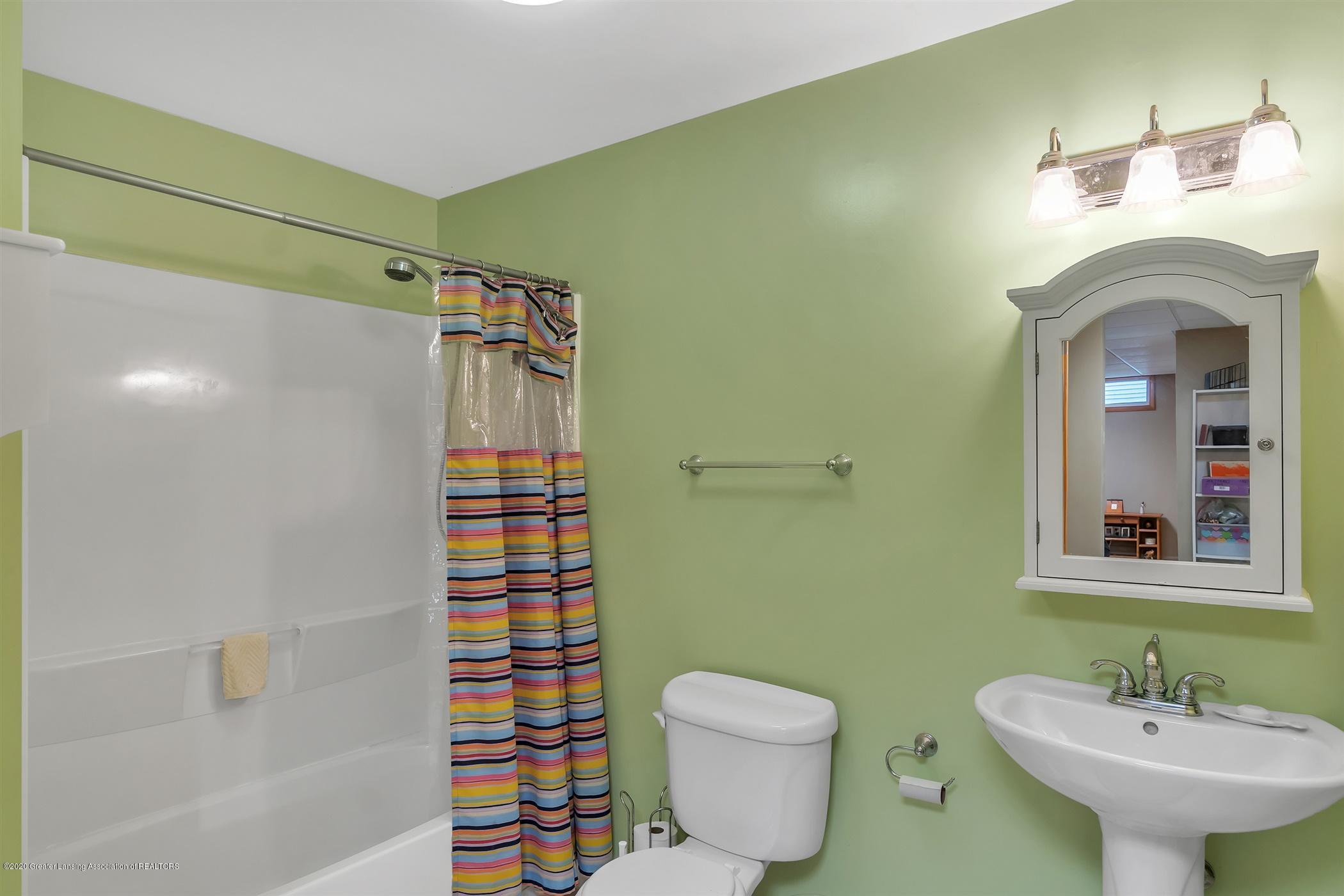 11910 Schavey Rd - 49-11910 Schavey Rd.-windowstill-re - 49
