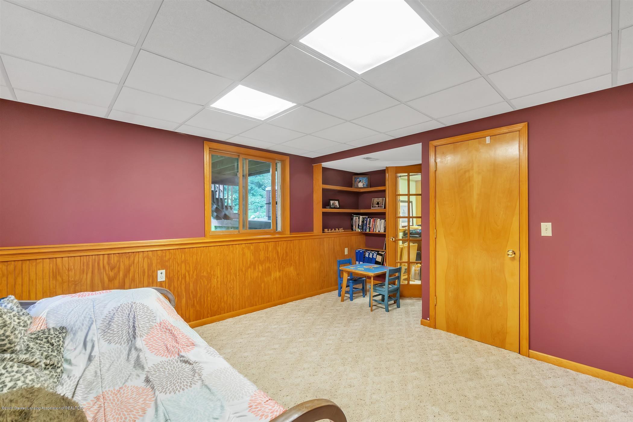 11910 Schavey Rd - 52-11910 Schavey Rd.-windowstill-re - 52