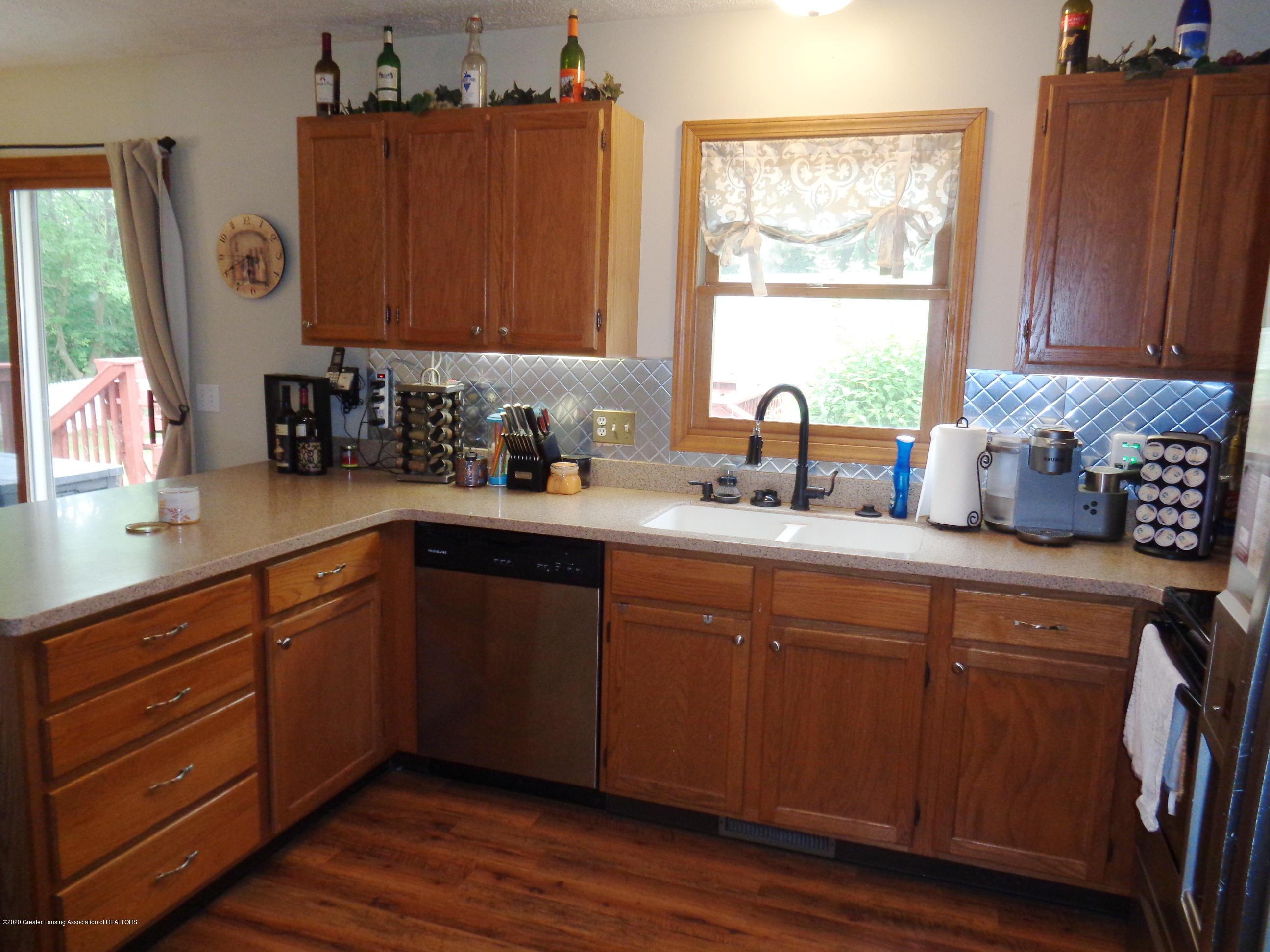 3099 Rosehill Dr - rosehill kitchen 2 - 6