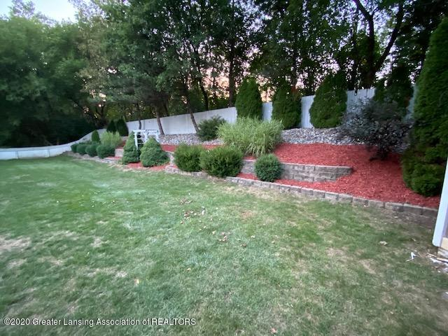 3099 Rosehill Dr - rosehill landscaping 2 - 26