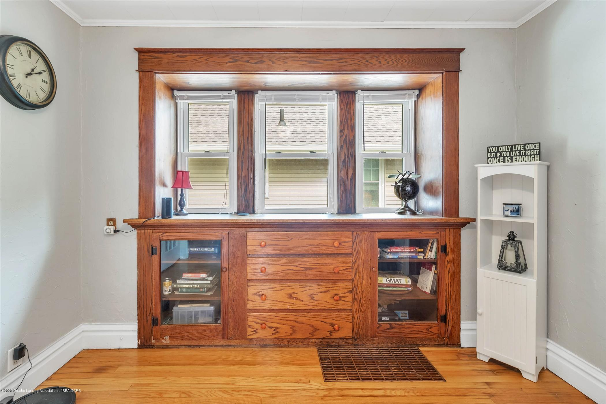 2127 Forest Ave - 11-2127 Forest Ave-WindowStill-Real - 11