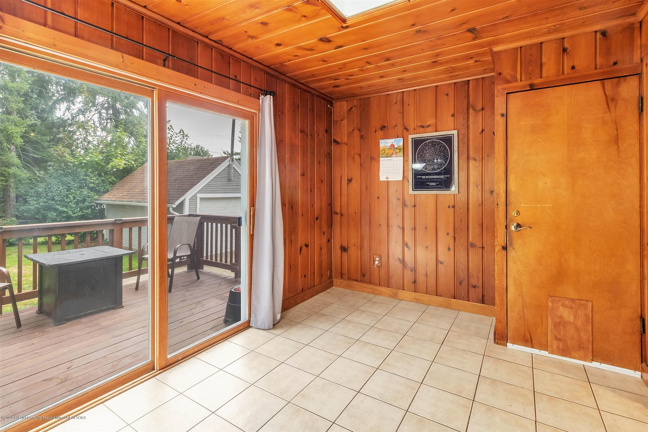 2127 Forest Ave - 21-2127 Forest Ave-WindowStill-Real - 21