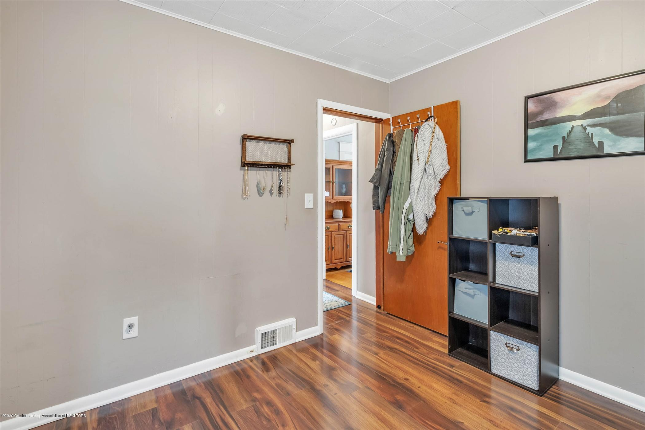 2127 Forest Ave - 26-2127 Forest Ave-WindowStill-Real - 26