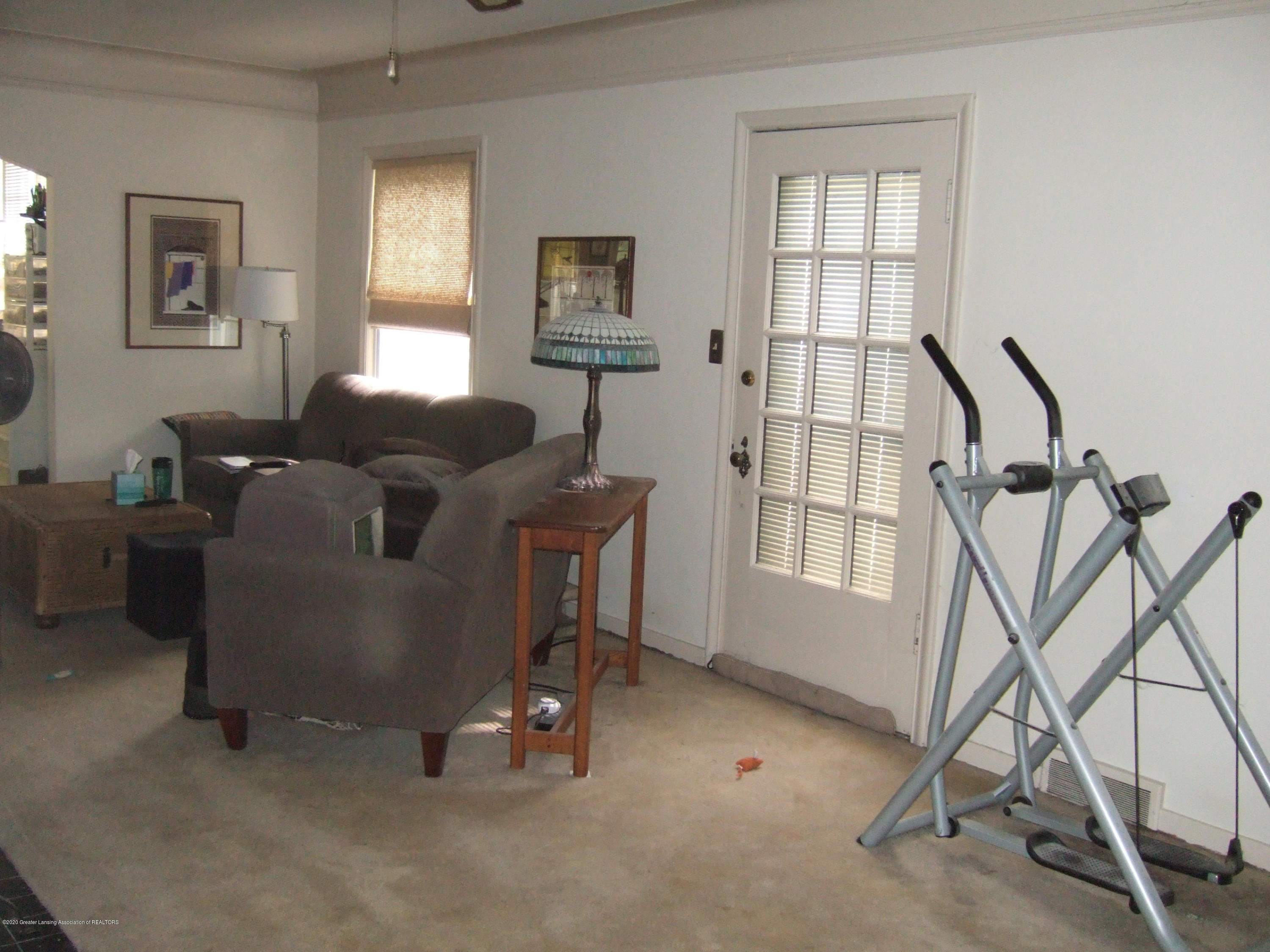 3806 W Willow St - Living Room - 7