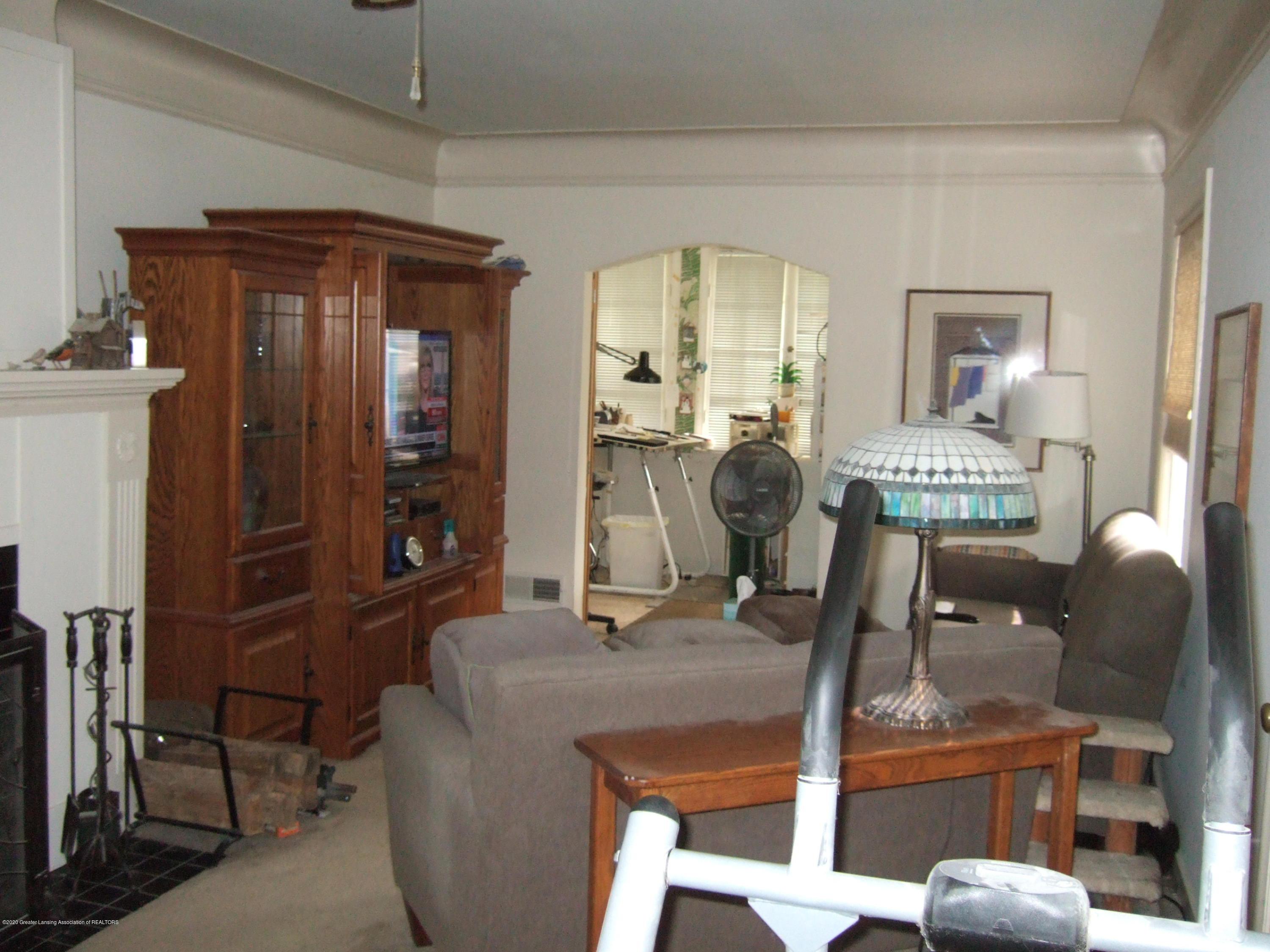 3806 W Willow St - Living Room - 8