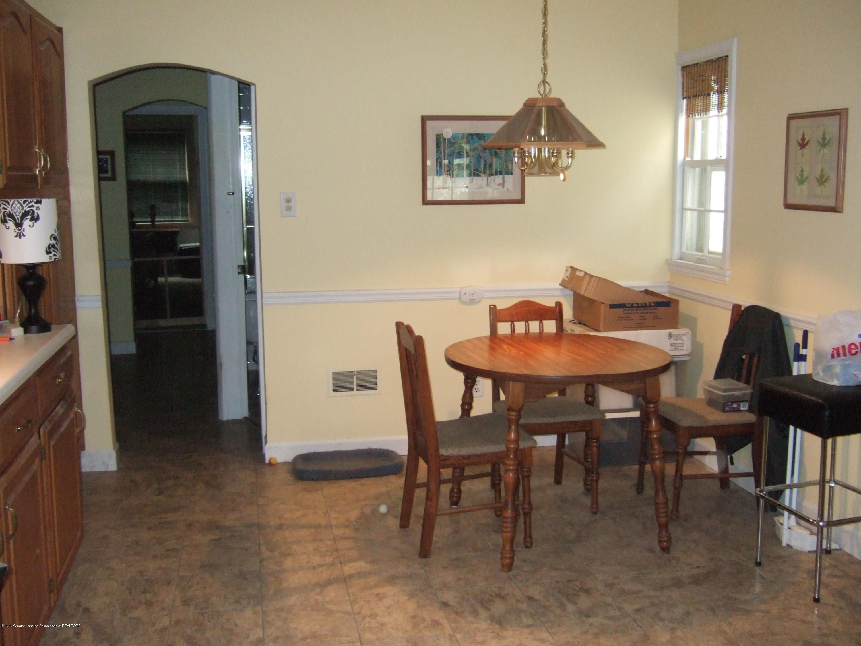 3806 W Willow St - Dining Area - 9