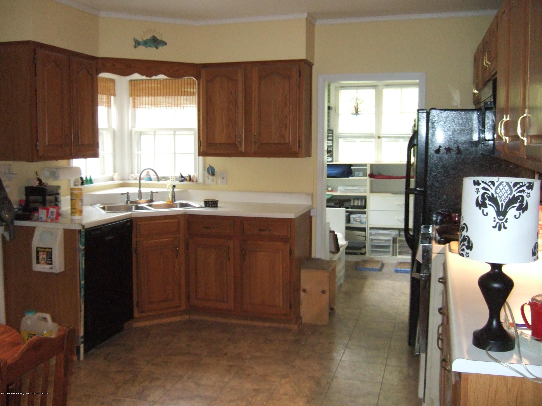 3806 W Willow St - Kitchen - 10