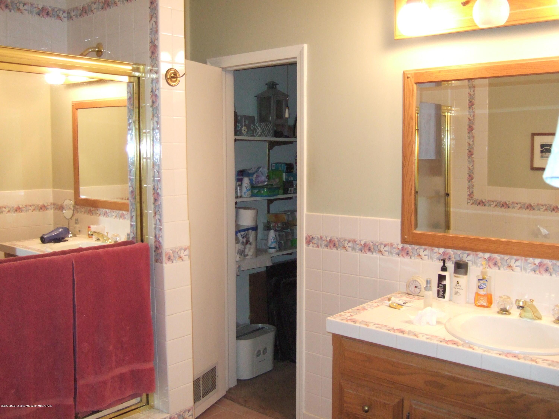 3806 W Willow St - First Floor Full Bath - 18