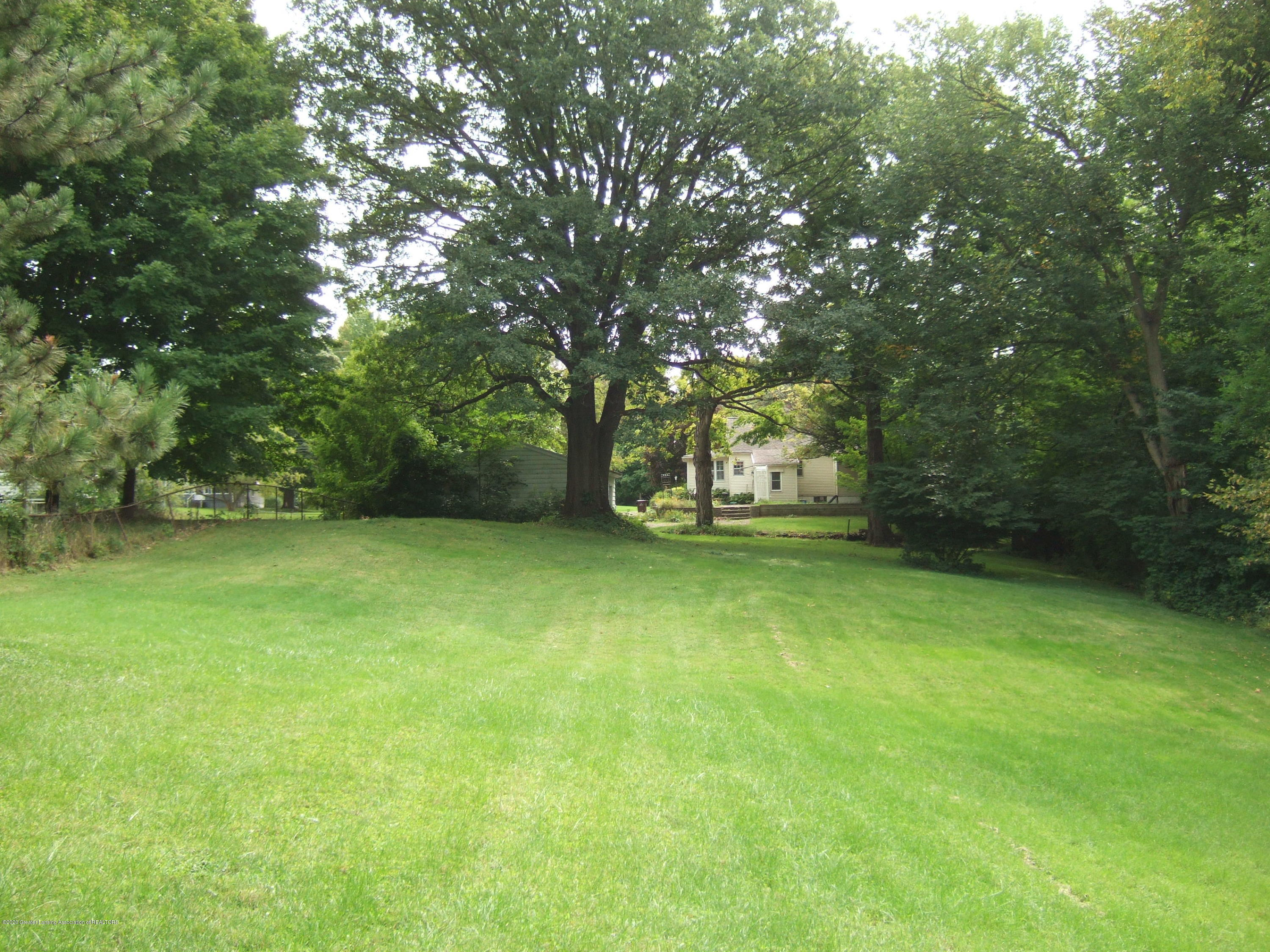 3806 W Willow St - Back Yard - 29