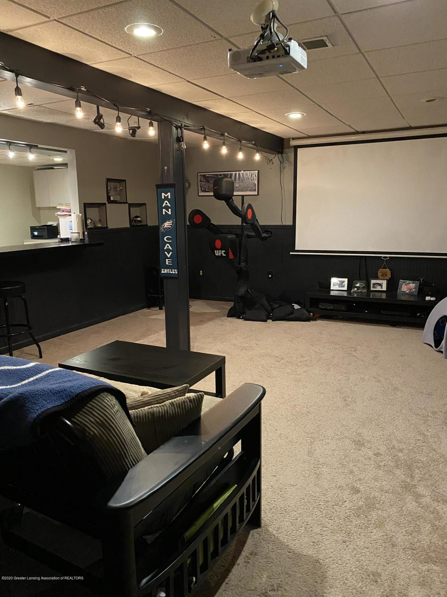 3099 Rosehill Dr - rosehill rec room with projector - 21