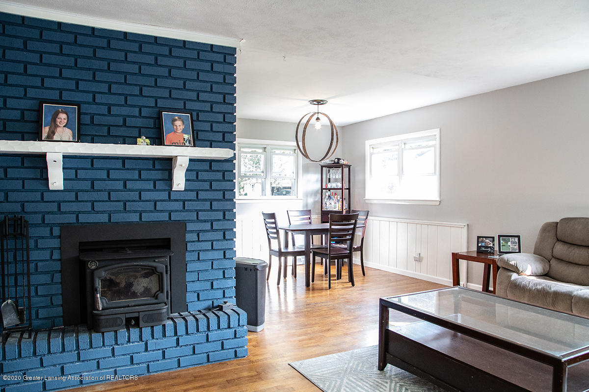 1424 Valley View Rd - fireplace - Copy - 10