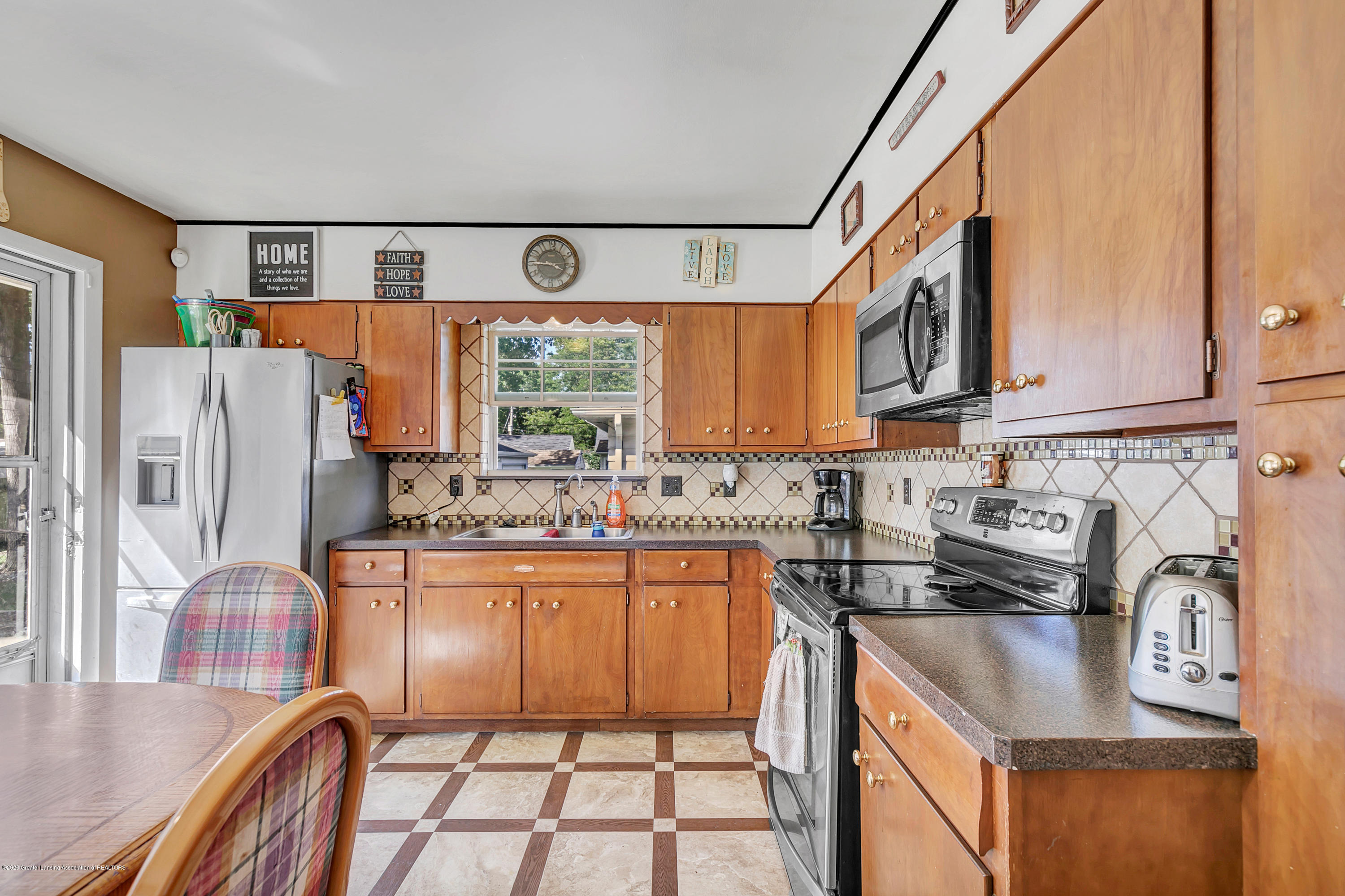 2844 S Deerfield Ave - 9I3A2564 - 8