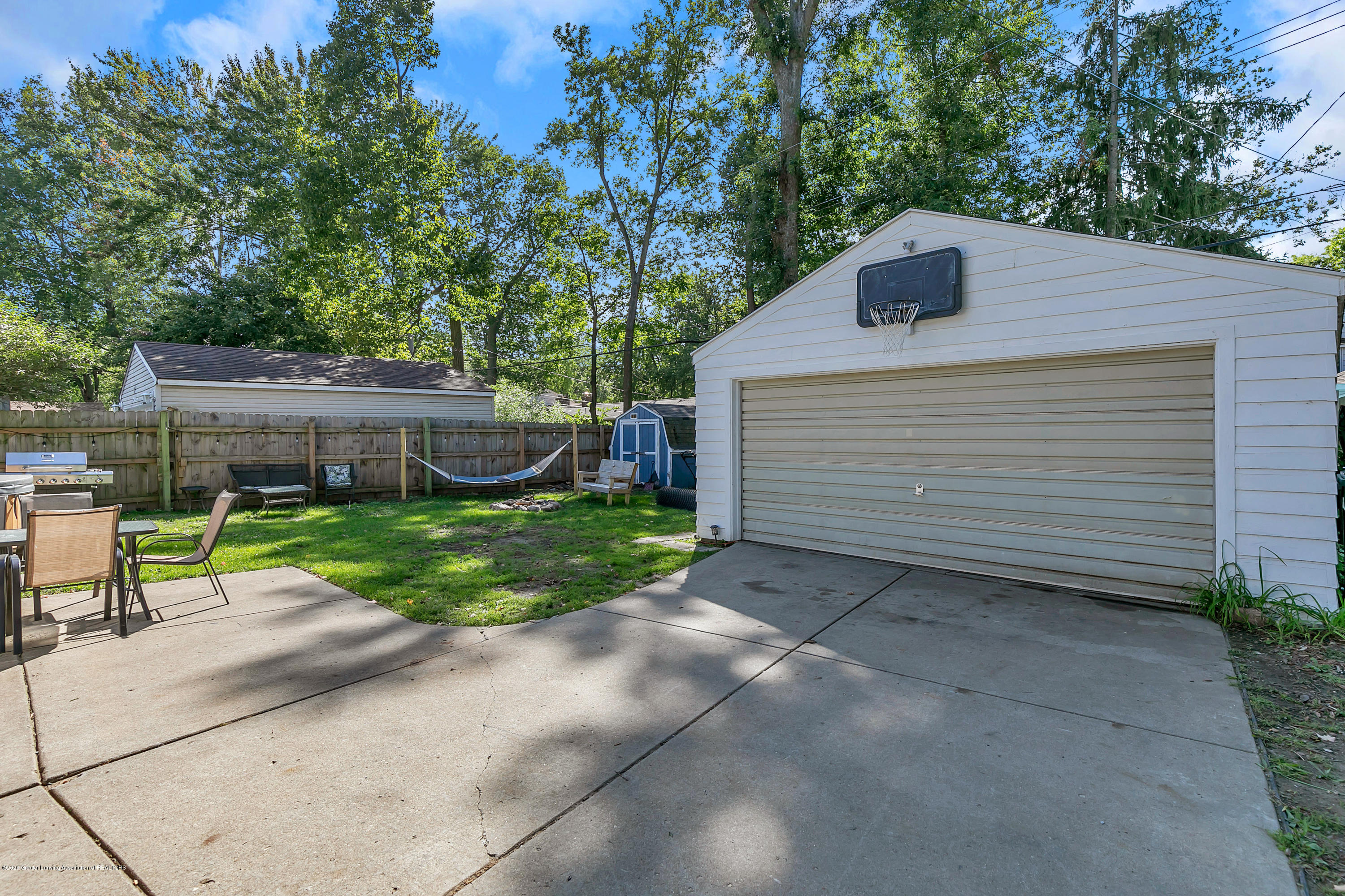 2844 S Deerfield Ave - 9I3A2602 - 25