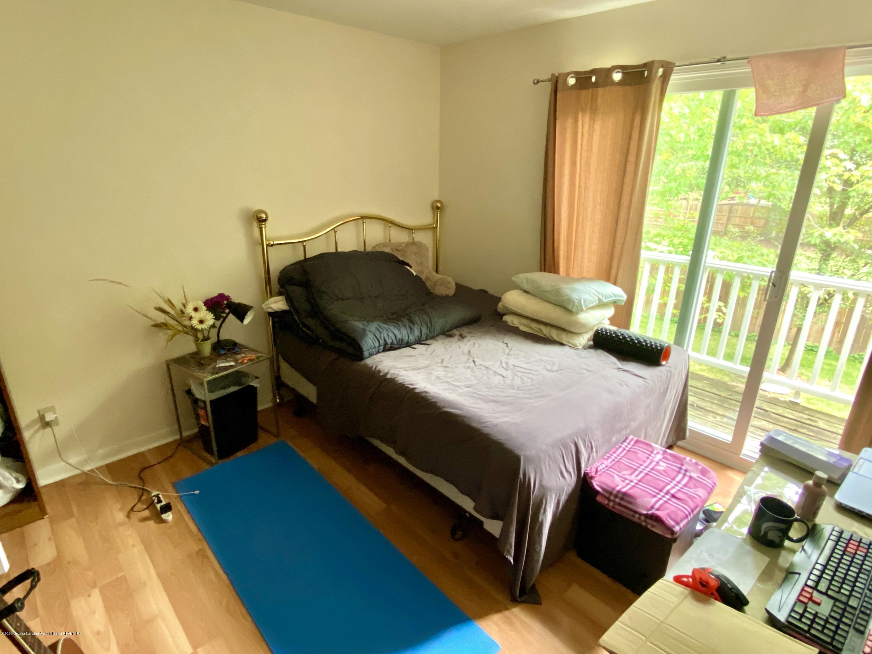 2024 Hamilton Rd 204 - Master with walk-in closet and balcony - 16