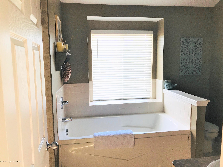5867 Westover Dr - Master Bathroom - 26