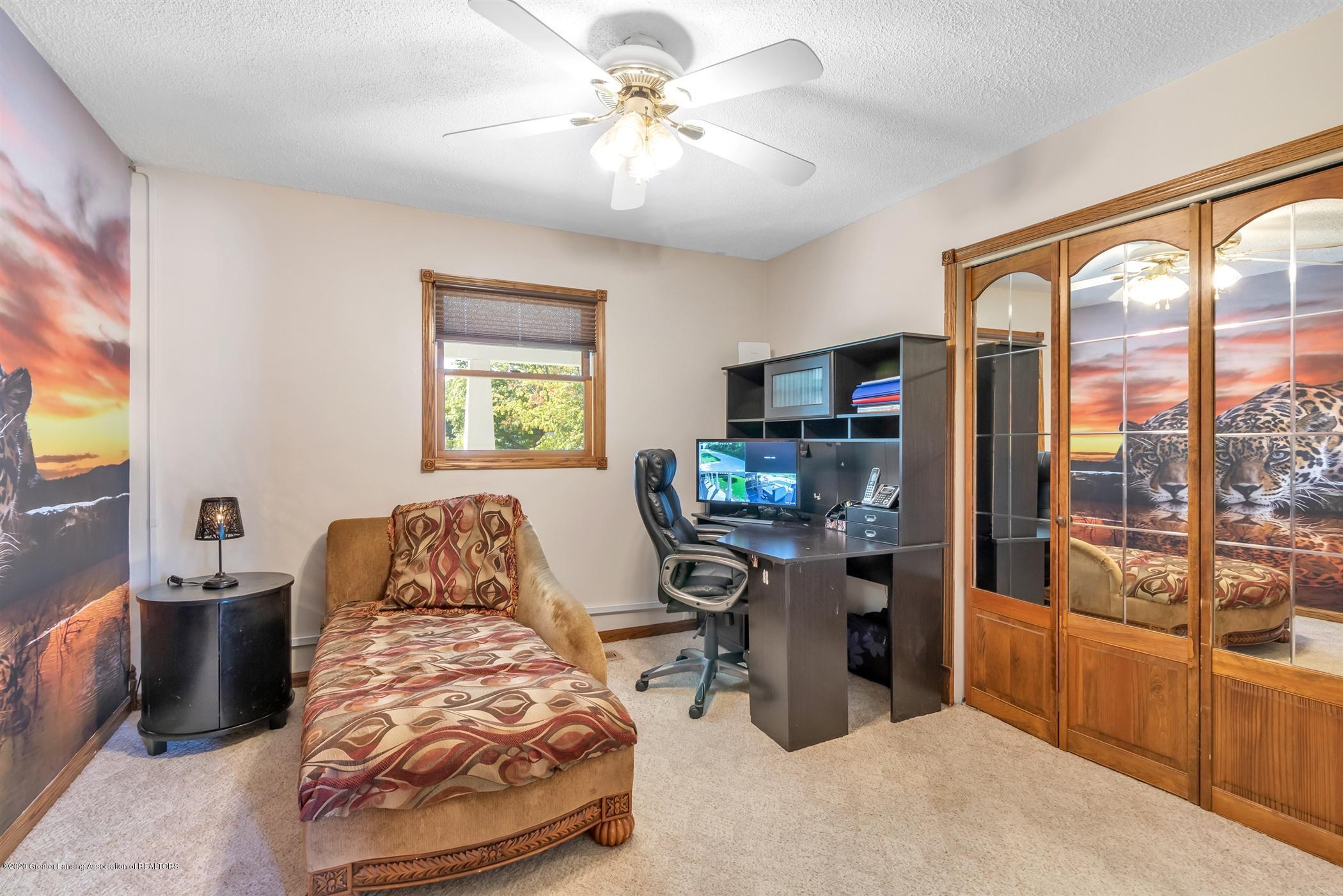 7346 W Cutler Rd - OFFICE - 16