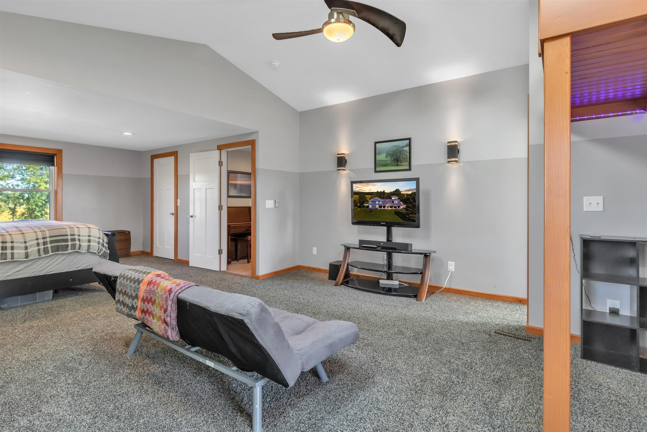 7346 W Cutler Rd - LARGE 2ND BEDROOM 32'X18' - 33