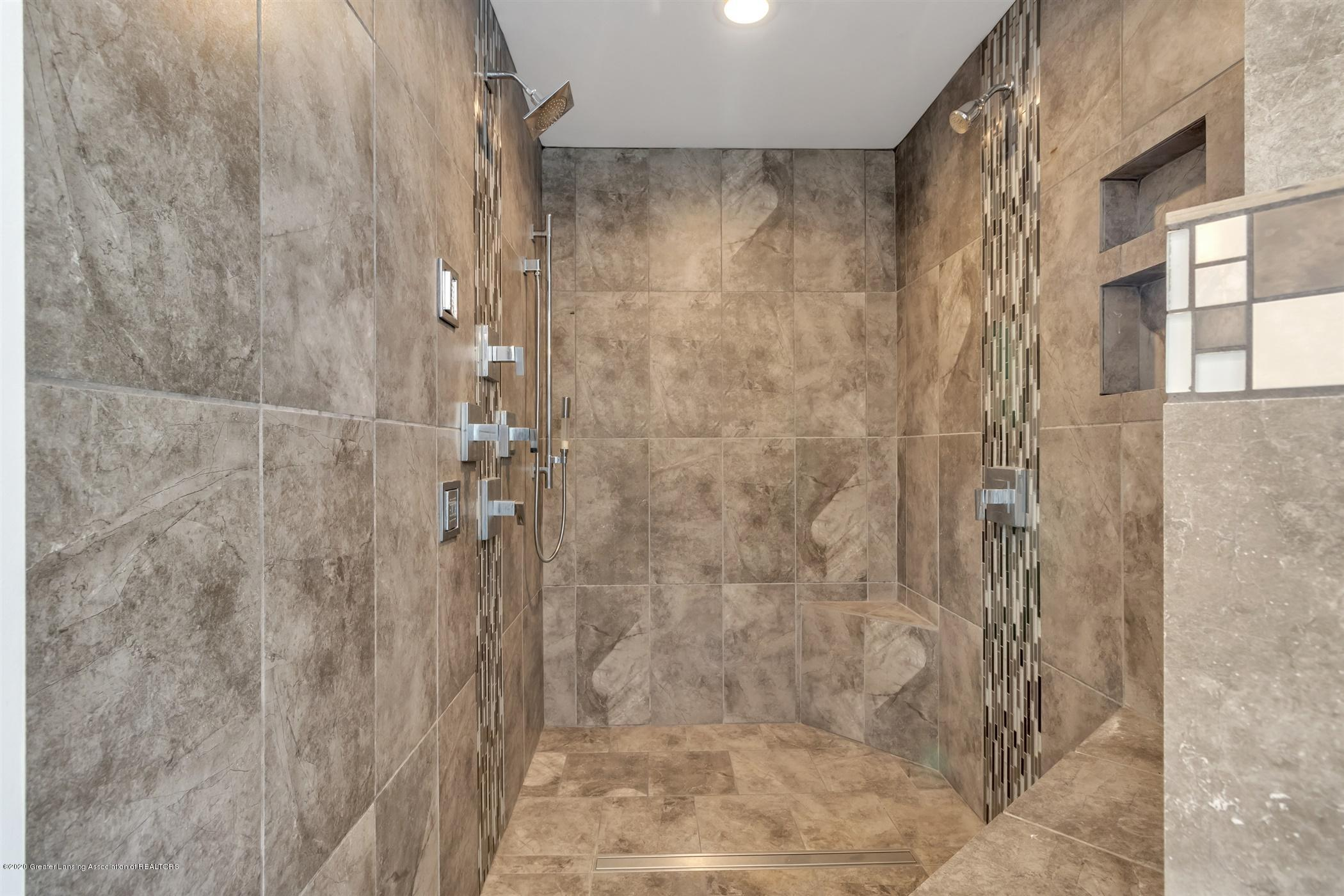 7346 W Cutler Rd - 2ND BATHROOM SHOWER - 38
