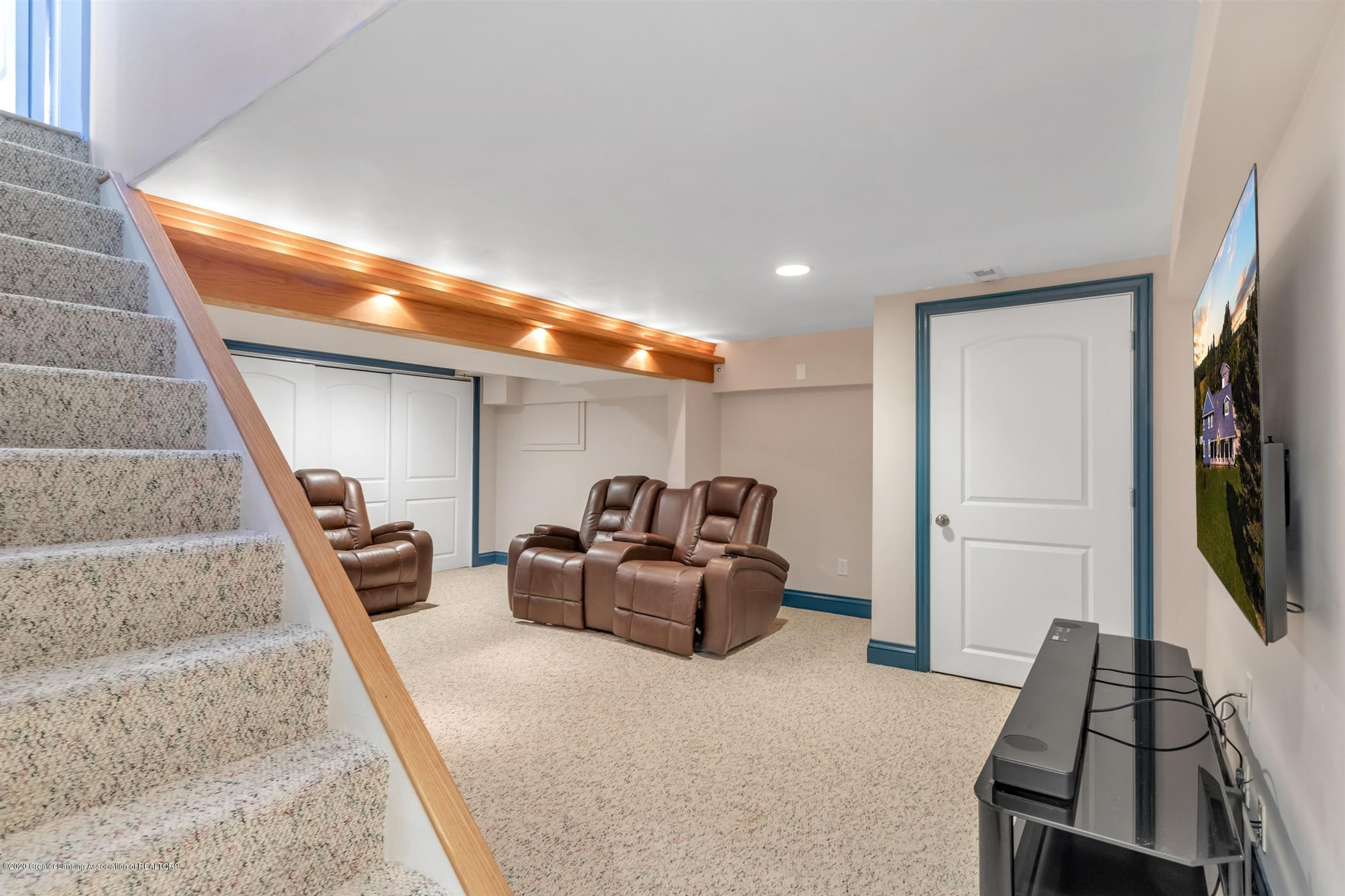 7346 W Cutler Rd - MAN CAVE AREA - 52
