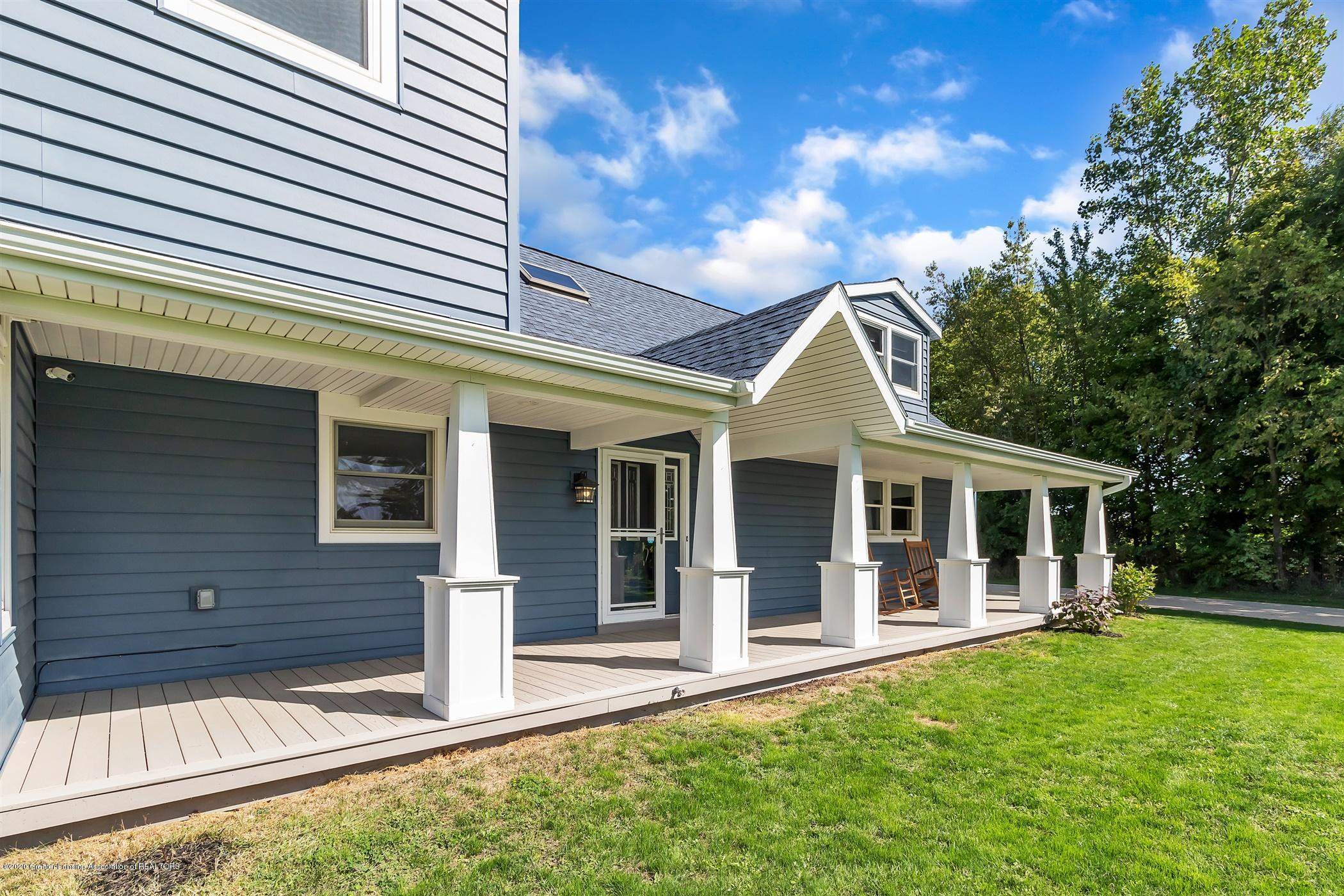 7346 W Cutler Rd - 46'X8' COVERED PORCH - 6